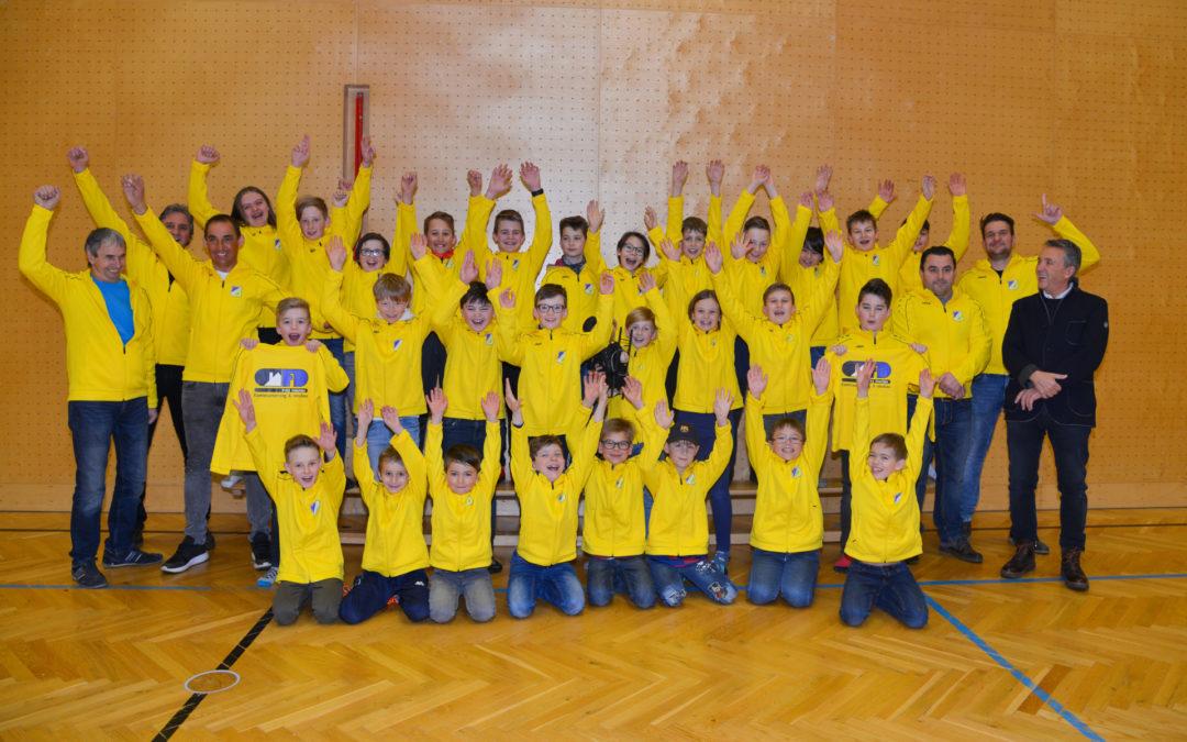 Rauchfangkehrerbetrieb Diechler Fritz unterstützt den Jugendfussball in Weißkirchen ….